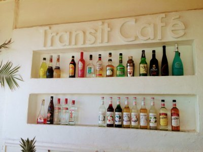 北谷【トランジット・カフェ Transit Cafe】味・ボリューム・ロケーション二重丸!海カフェの人気店といえばここに決まり!